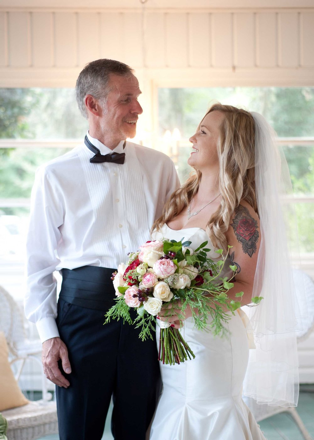 Father Daughter First look bridal bouquet wedding dress .jpg