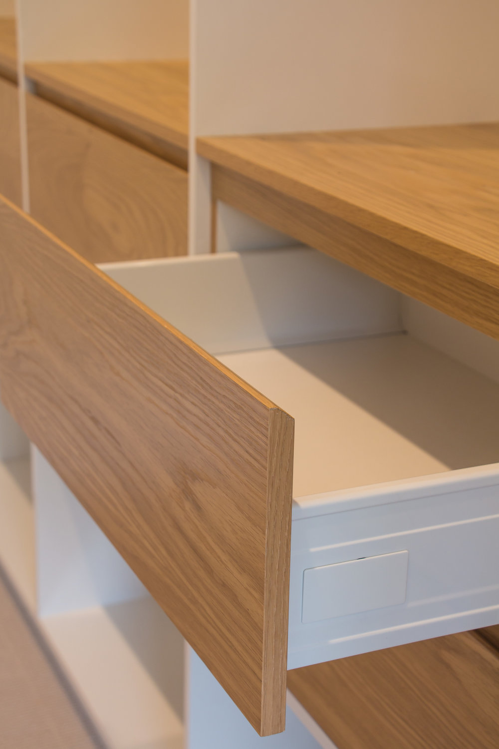 V Finger pull drawer fronts