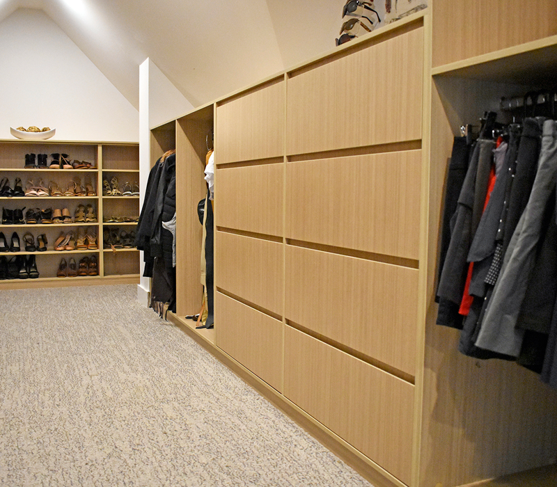 WIR_V Finger Pull Drawers and Open Shelving for shoes.png