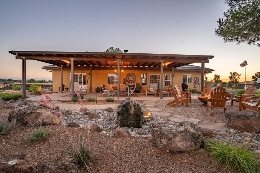 water-feature-boulder-and-fire-pit.jpg