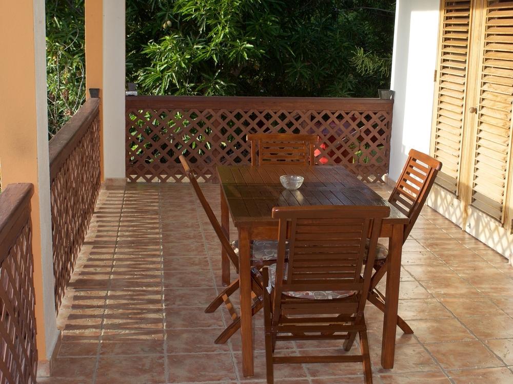Private balcony to dine 'al aire libre'