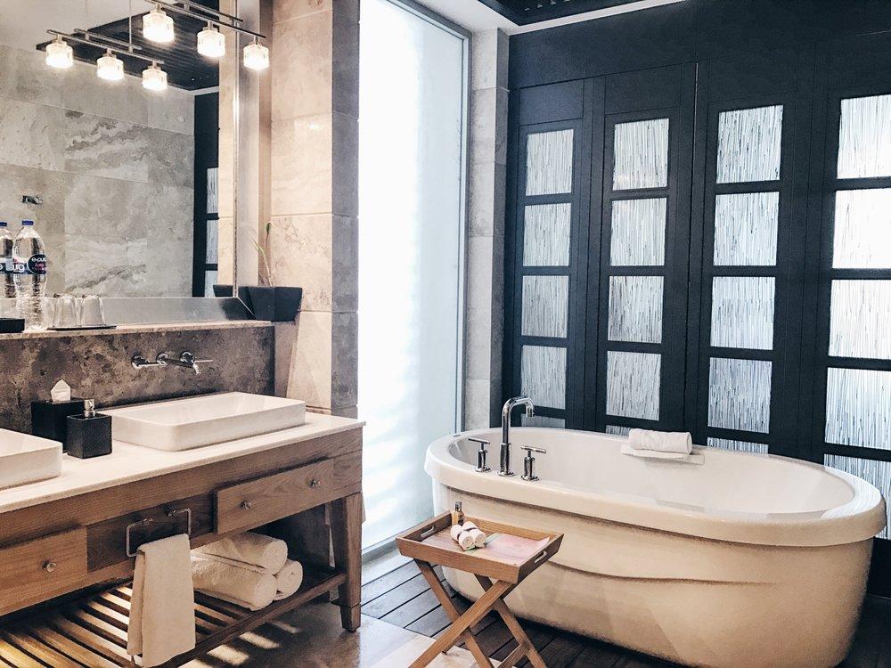 The luxurious bathroom and tub :)