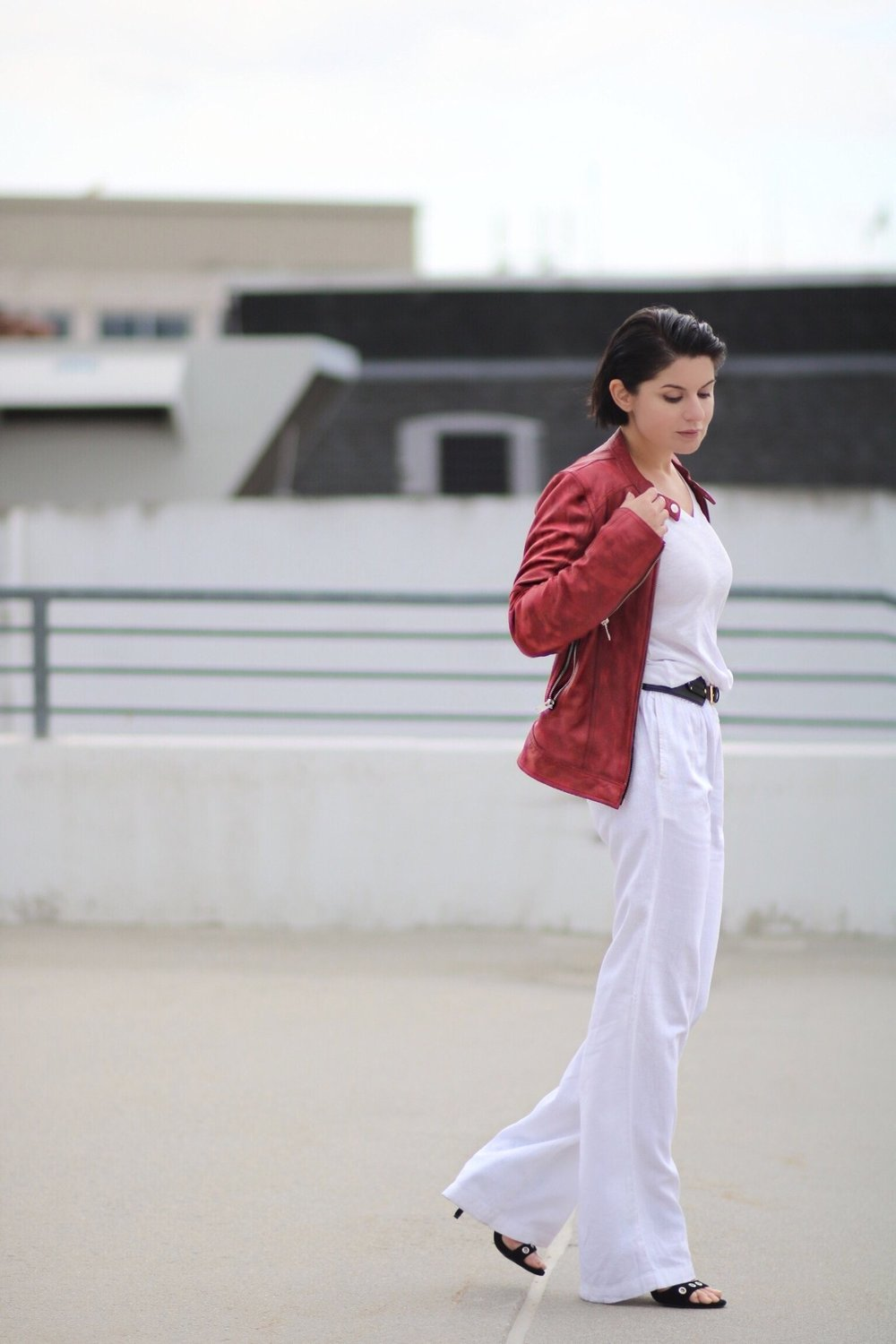 linen-pants-red-leather-jacket-streetstyle