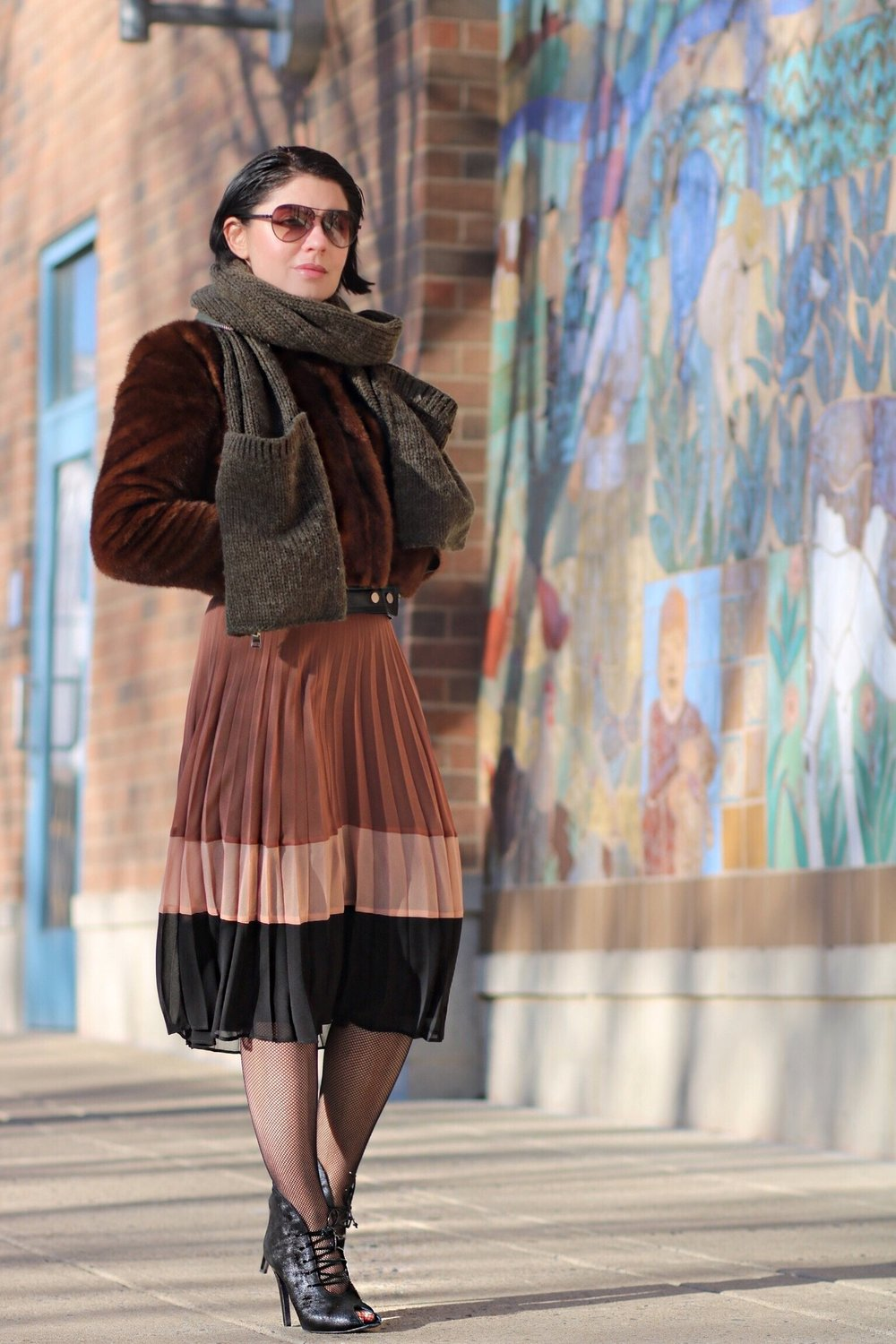 fur-bomber-pleated skirt-blogger-style