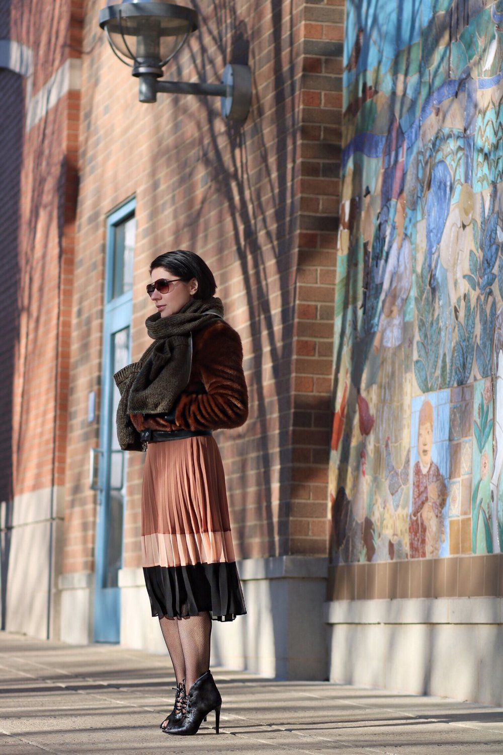 pleated-skirt-blogger-style