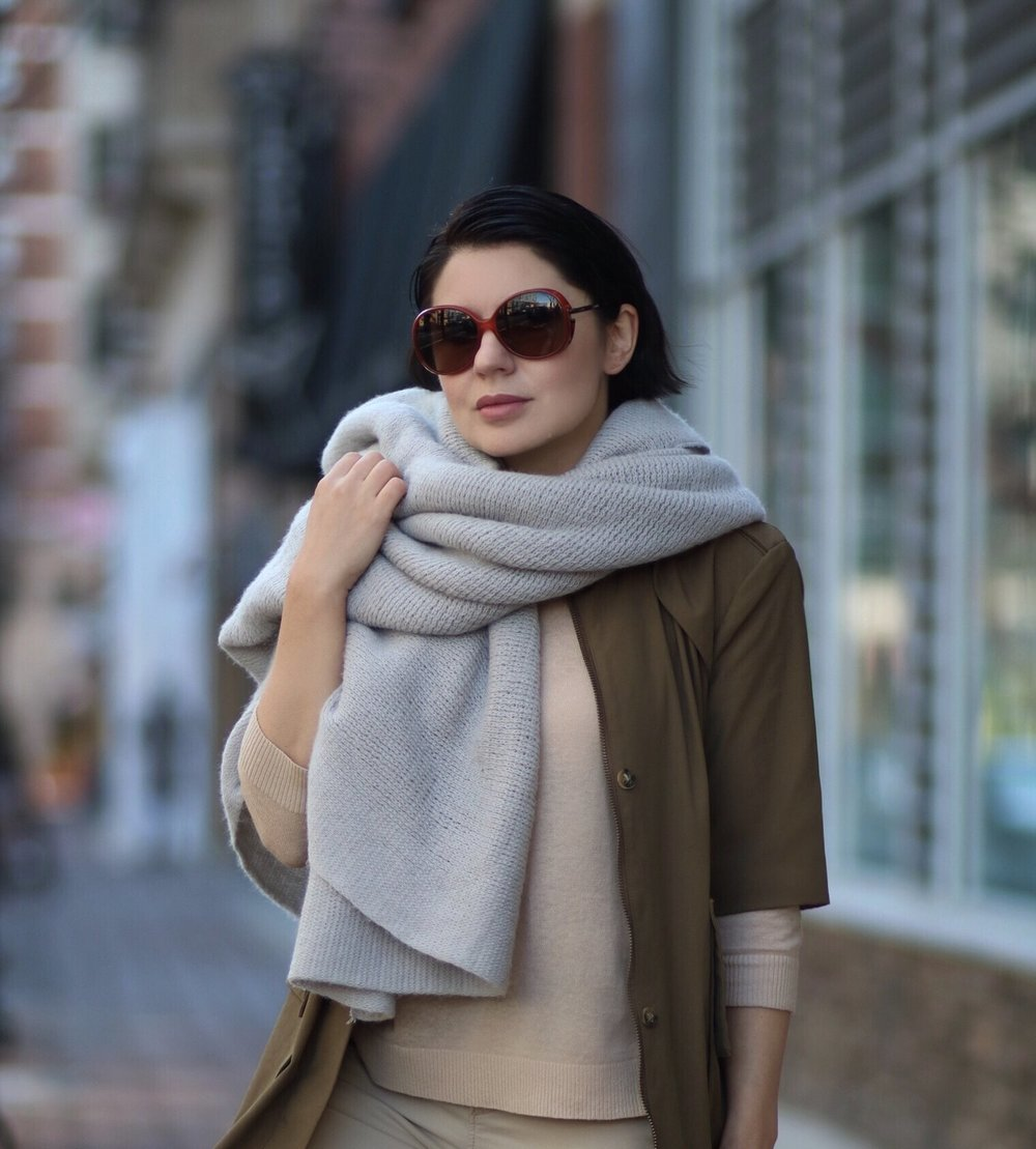 oversized-knit-scarf-trench-coat-blogger-style