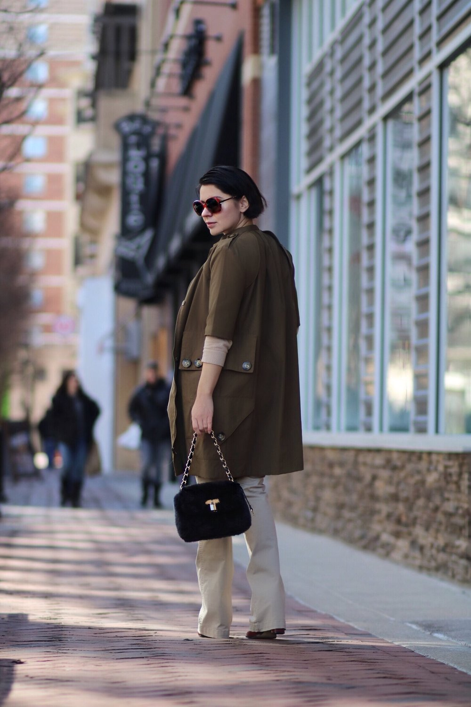 utility-trench-coat-fur-bag-Zara