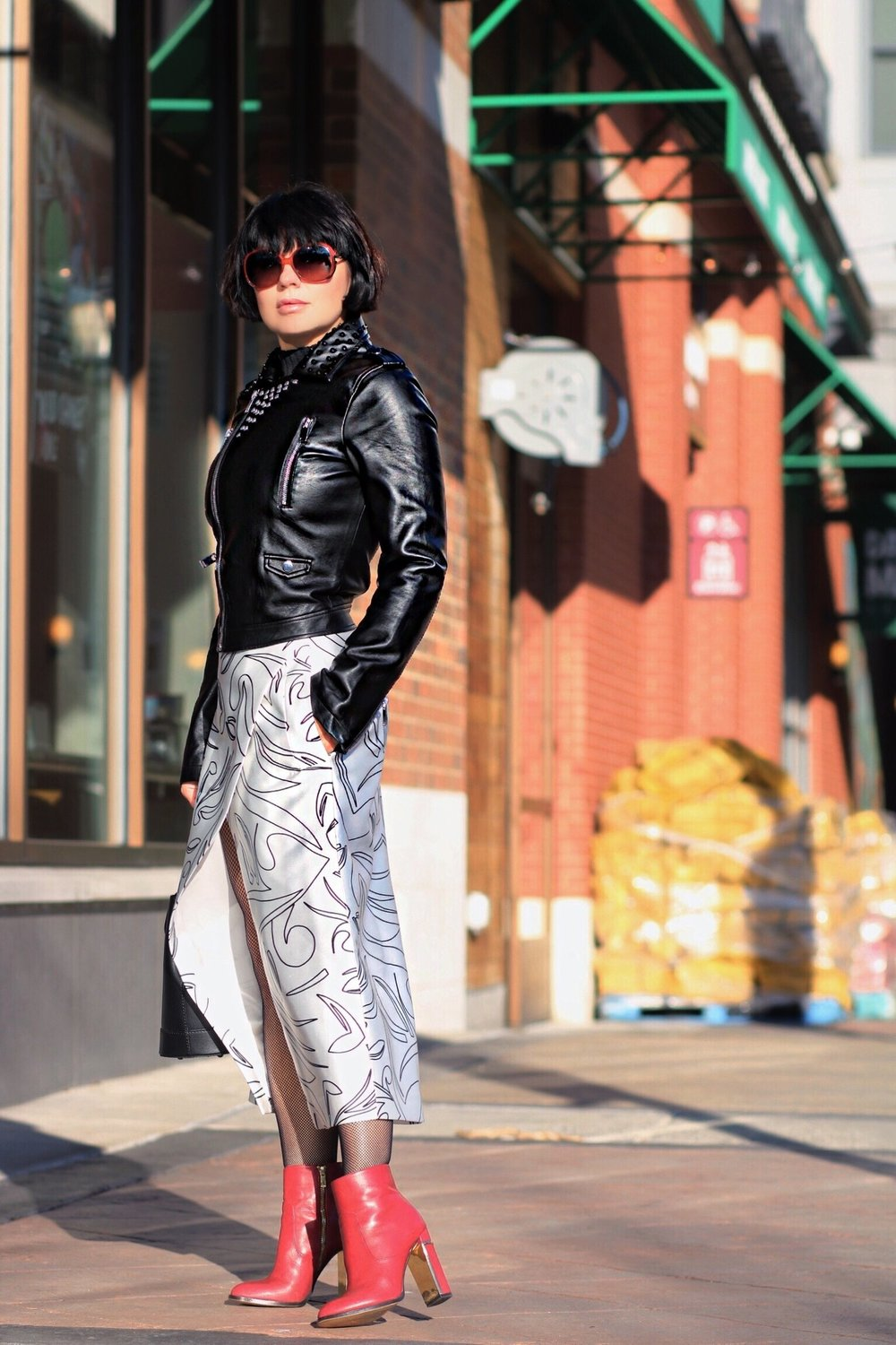 leather-jacket-white-skirt-blogger-style