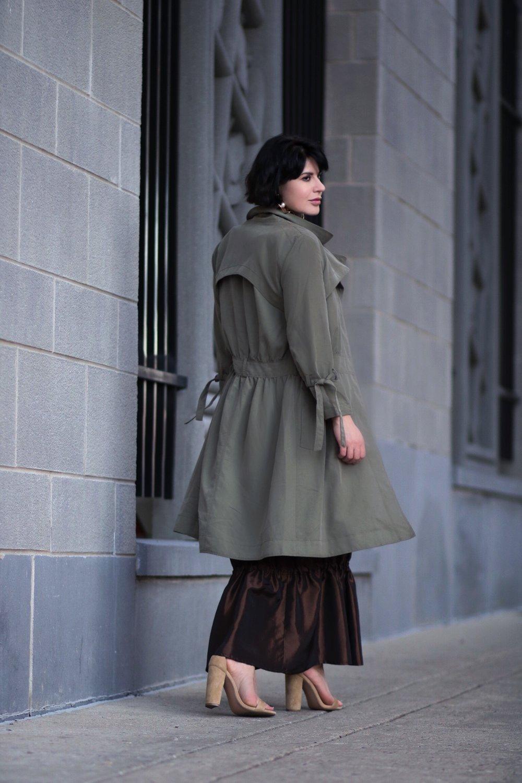 streetstyle khaki trench maxi skirt back view