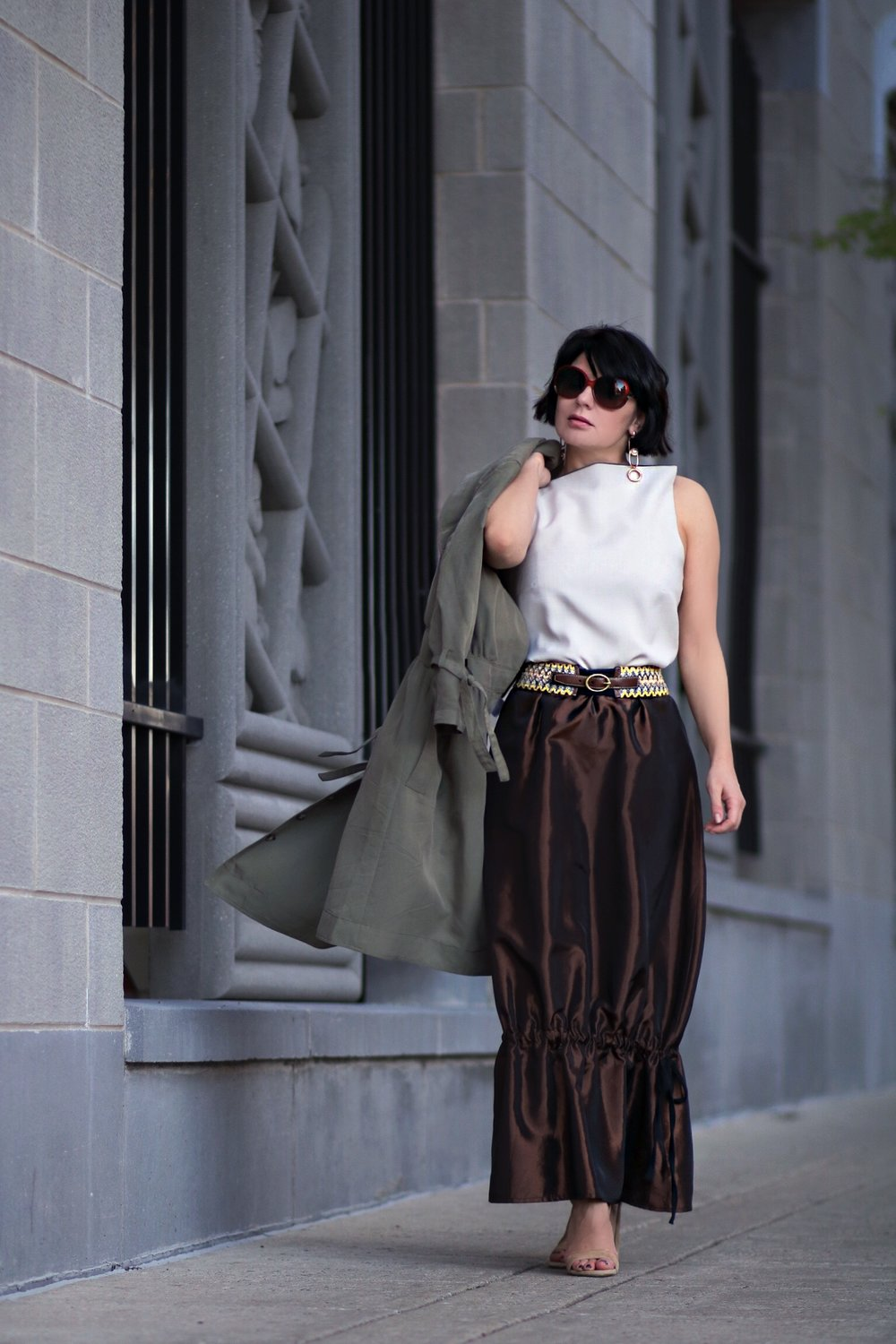 petite blogger tiered maxi skirt outfit