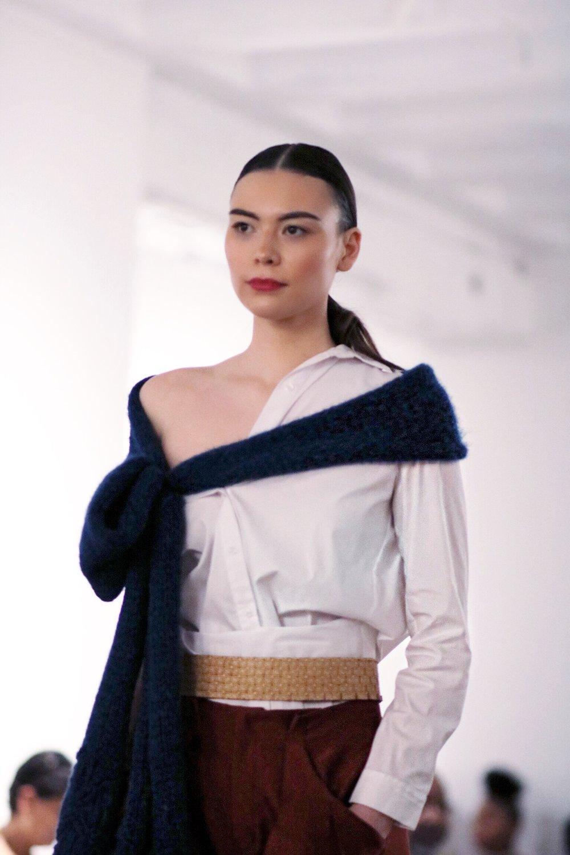 Amanda-casarez-off-shoulder-shirt