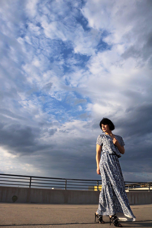 blue-dress-rooftop-summer-style