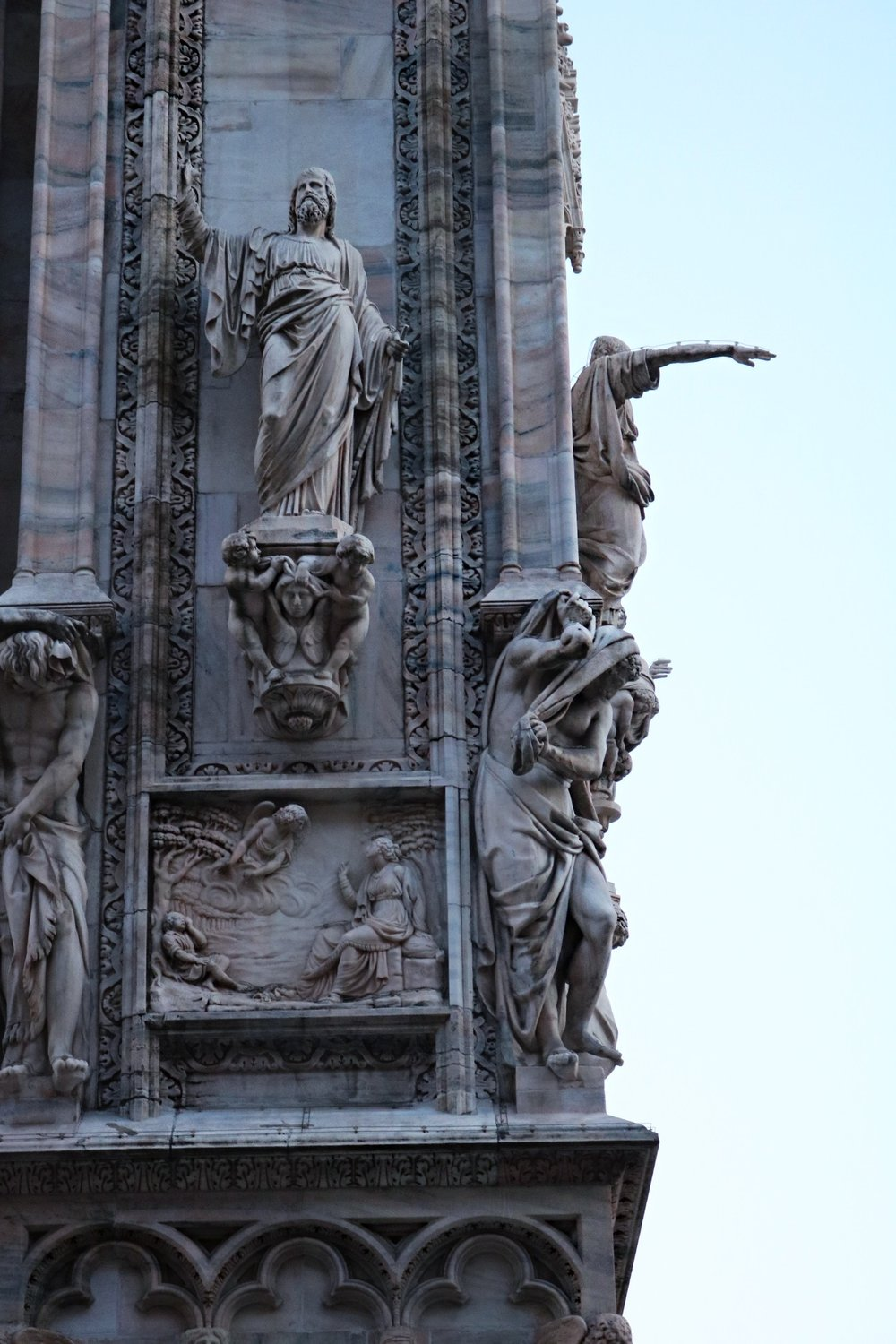 Milan-cathedral-duomo-wall-close-up