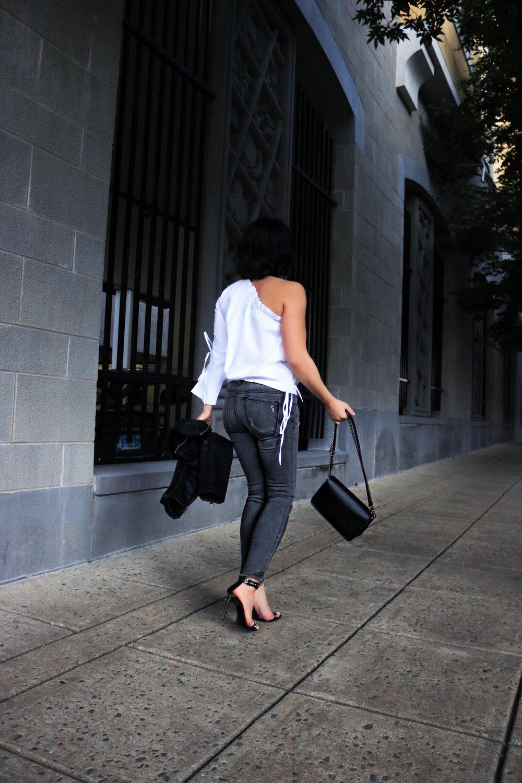 one-shoulder-top-denim-blogger-style