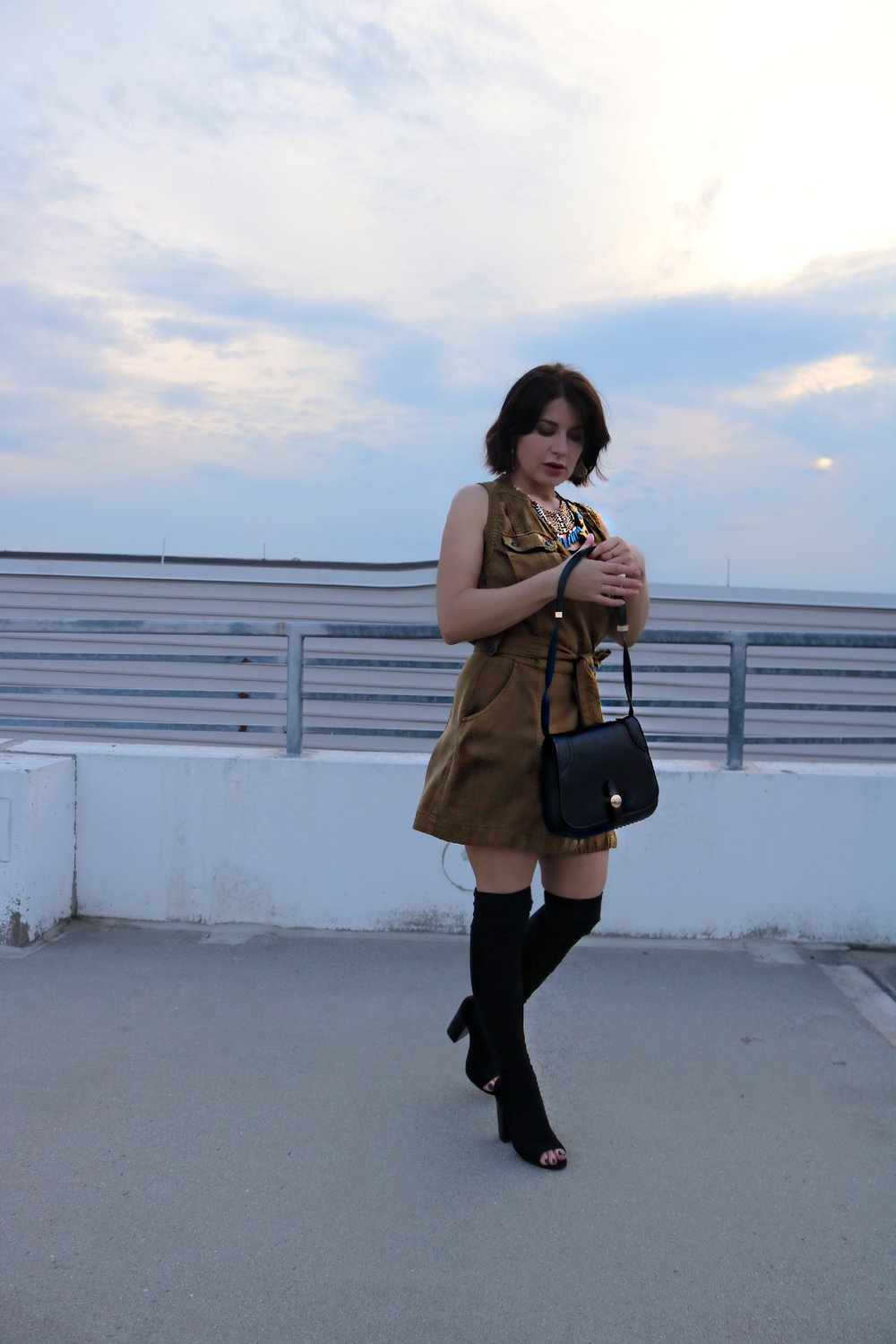 Fall-transition-dress-blogger