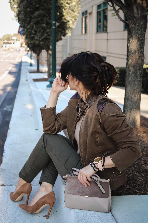 blogger-style-brown-denim-jacket