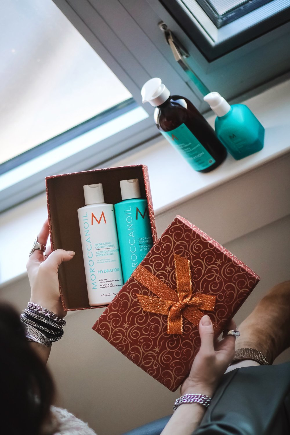 MoroccanOil-hydrating-shampoo-conditioner