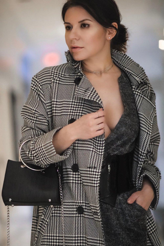 Isabel-alexander-plaid-coat-black-bag-WhatsMode