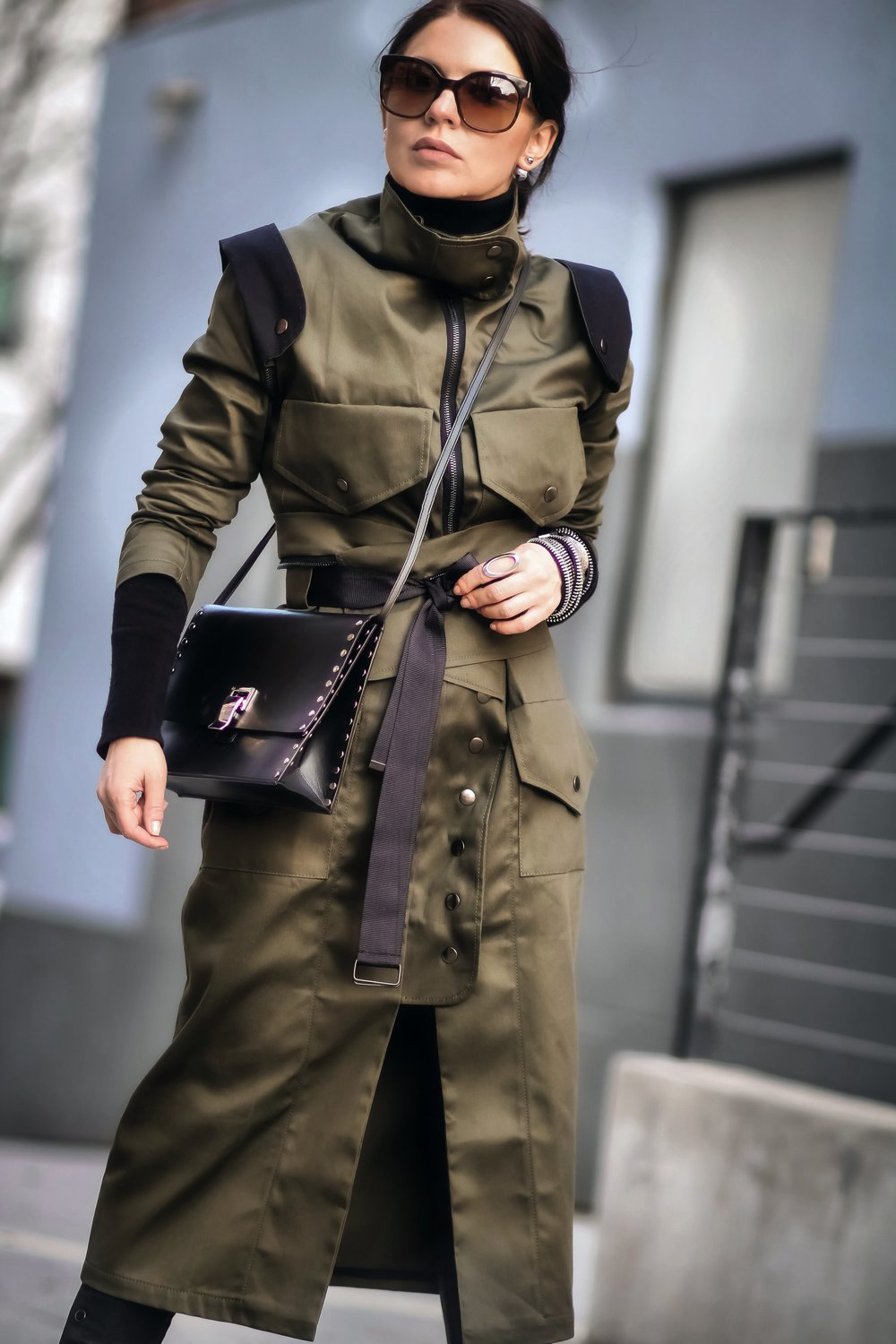 Isabel-Alexander-Clothia-closed-utility-trenchcoat-street-look