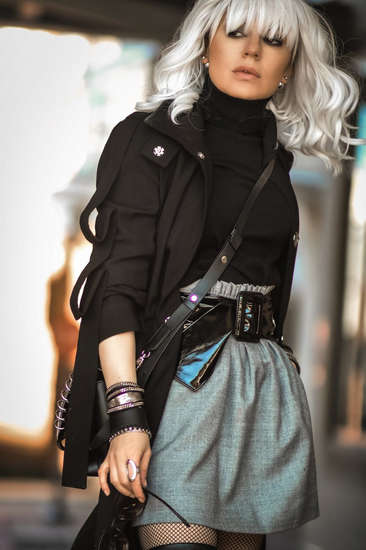 Isabel-Alexander-ASOS-trench-coat-Atomic-Blonde-cosplay