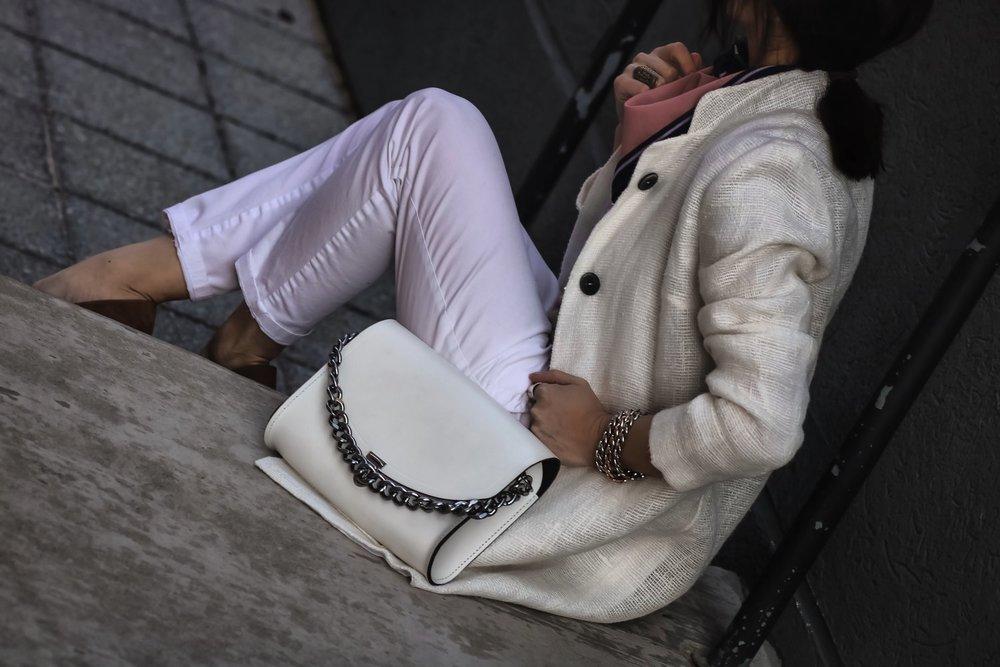 Isabel-Alexander-white-denim-coat-oversized-chain-bag-details