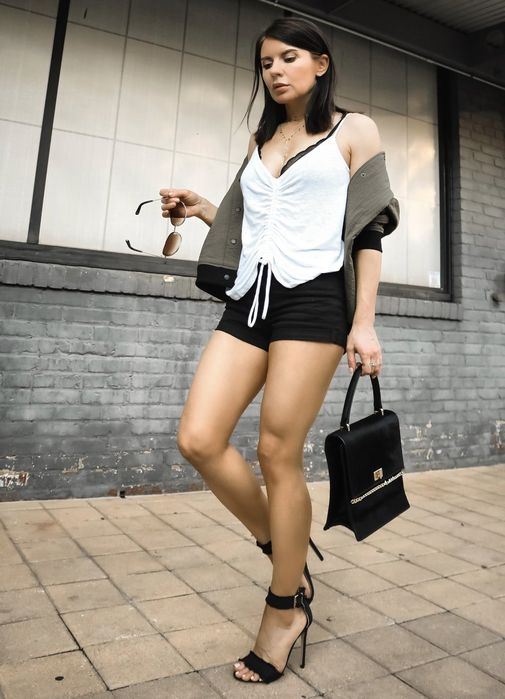 H&M shorts Alala Bomber Outfit Street Style Isabel Alexander Petite Blogger