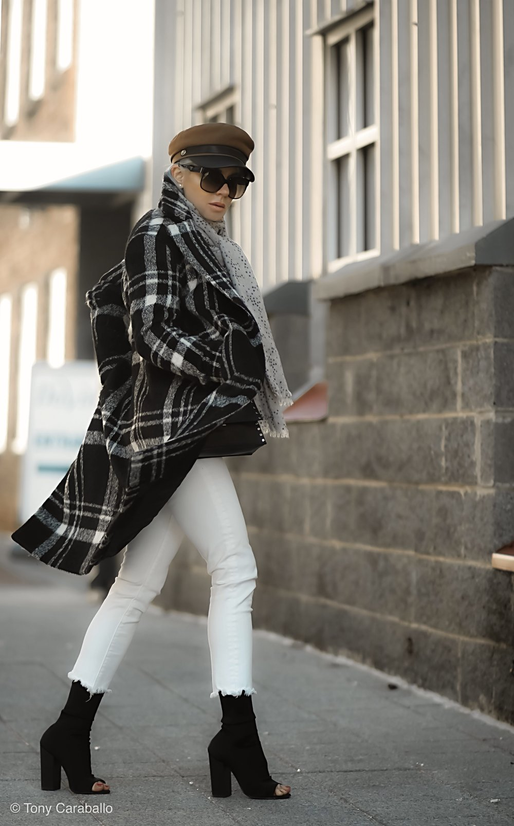 Isabel Alexander About US plaid coat profile