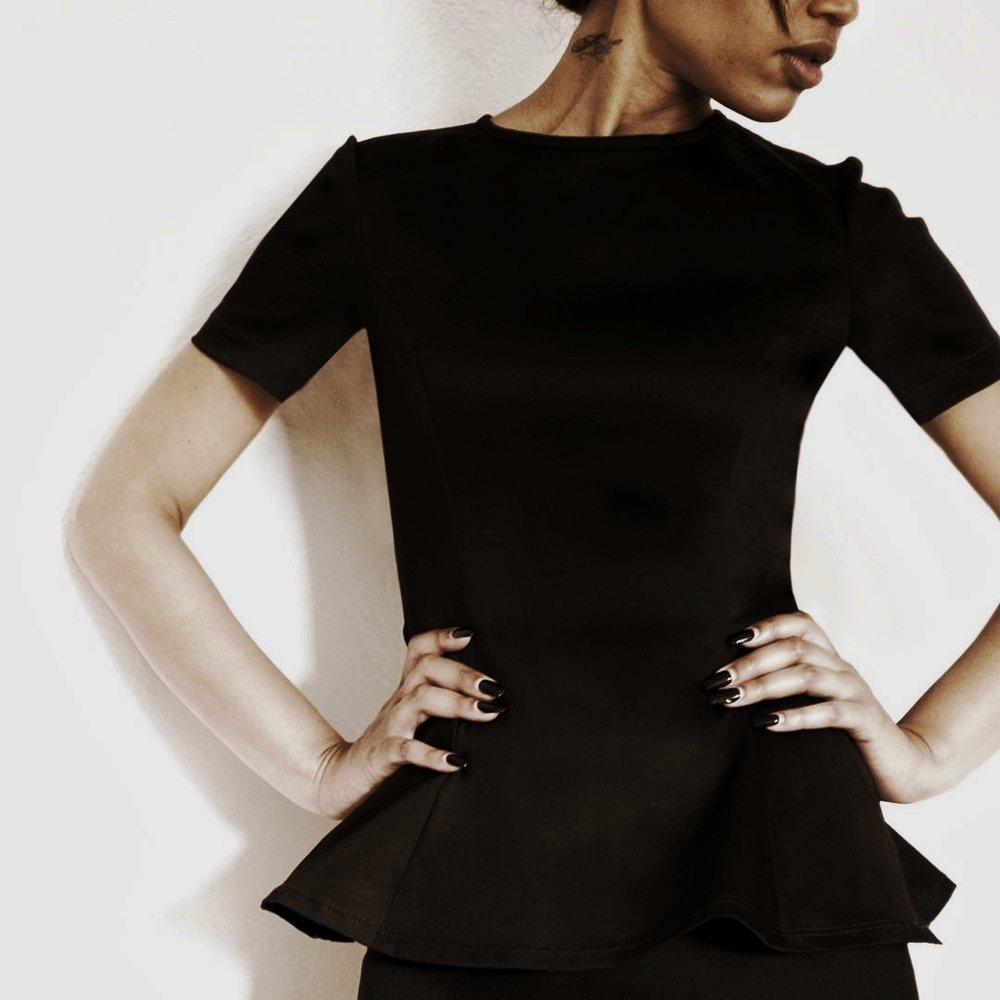 2015 - Creation of Black Label, the first ready-to-wear collection. // Eric créé Black Label, la première ligne de prêt-à-porterAragon Couture turns 10! // C'est l'anniversaire de 10 ans à Aragon Couture!
