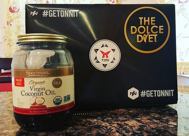Here's a #Tip : Pour your coffee inside the coconut oil jar to get all that remaining #goodness ! Same idea can be done with almond/peanut butter, just pour the Breakfast Bowl inside the jar! #winning #saving #getonnit #DolceDiet #YEN