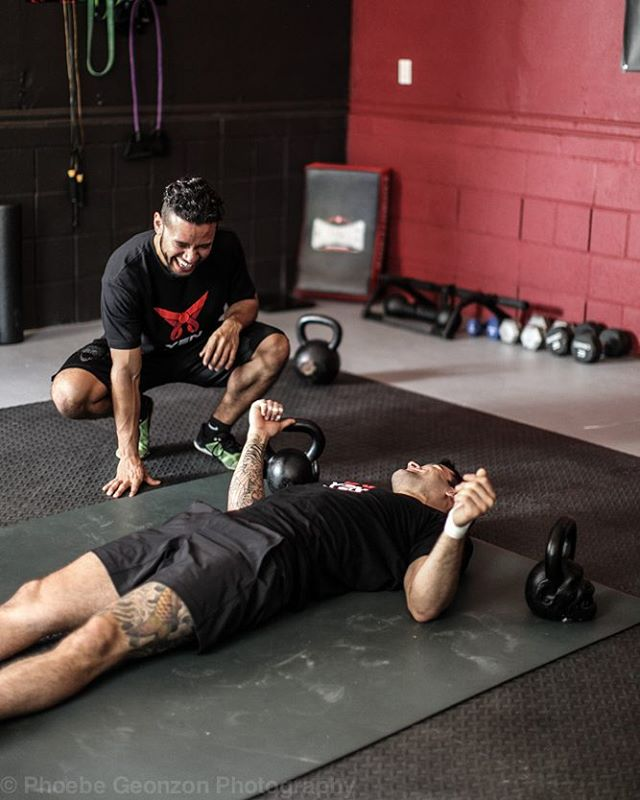 Great training partners keep you accountable, motivated, challenged and most of all laughing through all the ups and downs! Tag your training partner/team and let them know you appreciate them! #teamwork #trainingpartner #armyofone #teamtraining #kettlebells #bjj #mma #YEN #DolceDiet #Lifestyle