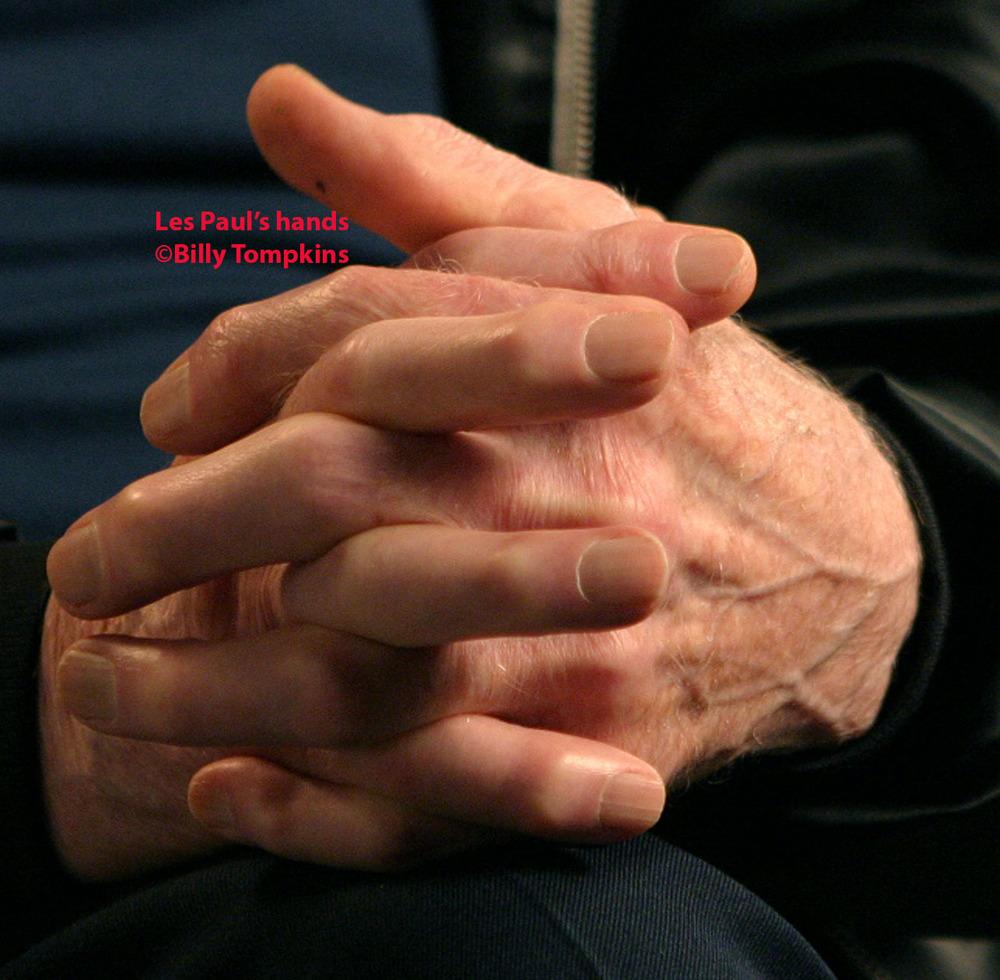 Les Paul's hands