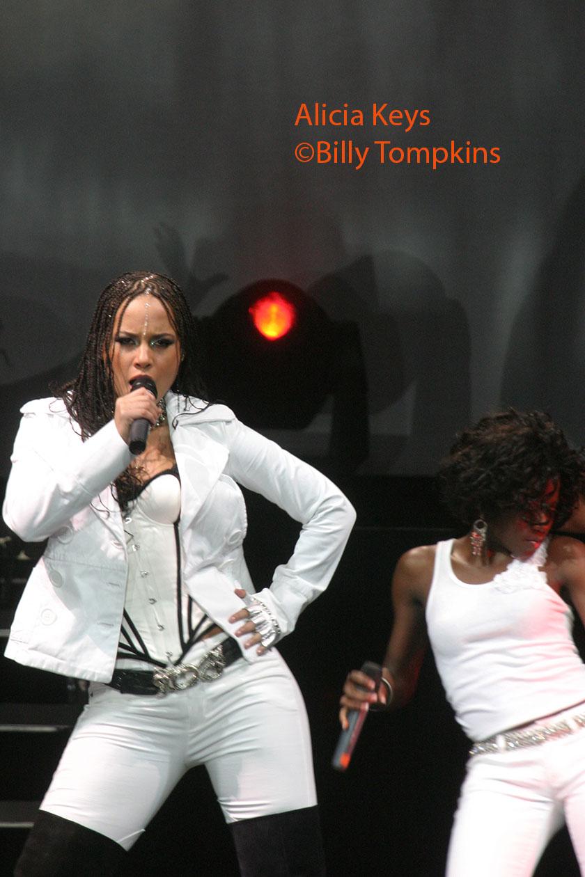 Alicia Keys 1 low res.jpg
