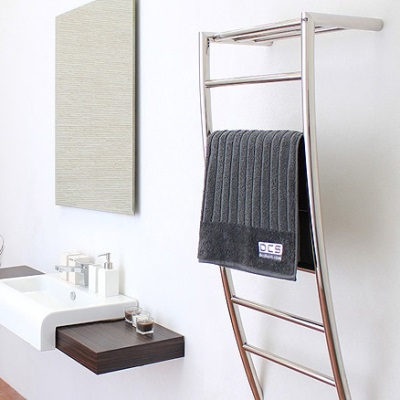 tira-heated-towel-rail