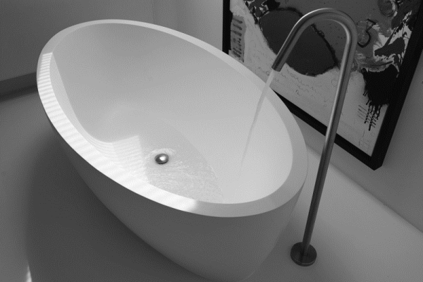 maya-freestanding-bath