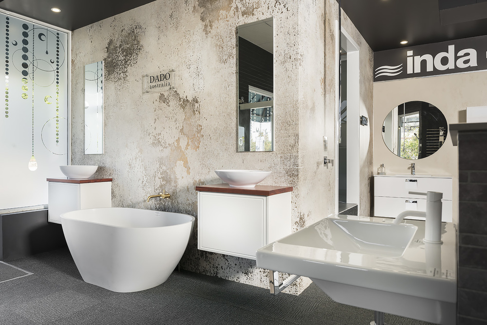 Dado stone freestanding bath