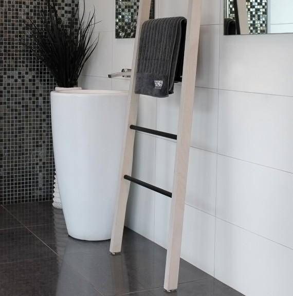 wooden-ladder-towel-rail-white-wash.jpg