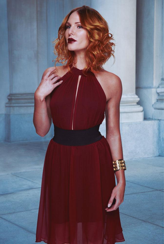 Rotes, gelocktes Haar