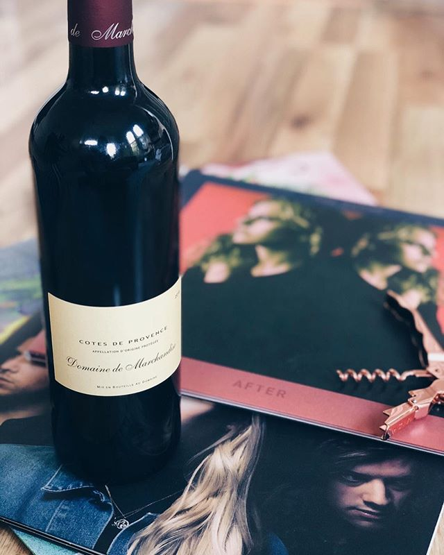 "Let's lay on the floor and listen to vinyls all night. Domaine de Marchandise + Doe Paoro ""After"" 🎧 #winylpairing"