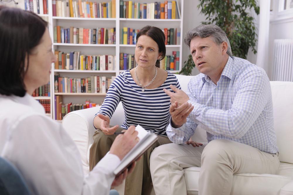 Männer und die Paartherapie - Man sagt den Männern ja gerne nach, dass sie ein wenig therapieresistent seien, wenn es zum Beispiel um eine Paartherapie geht. Vermutlich erwartet man nun von mir, dass ich dies für totalen Blödsinn erkläre. Man möge mir verzeihen: dieser Vorwurf an die Adresse der Männer ist halbwegs richtig. Männer sind sich nämlich nicht so sehr gewohnt, ...