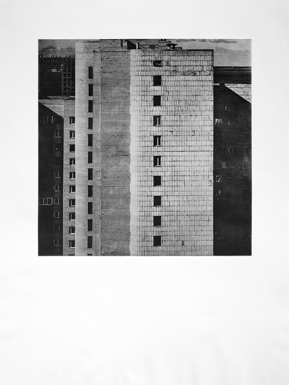 Der Bau i (2017)  medium: Heliogravüre  size: 60 x 80 cm  paper: Zerkall 270 g/qm  plate: 44 x 44 cm  edition: 11 copies  numbered: 1/7 - 7/7, 4 e.a.  printer: FWU