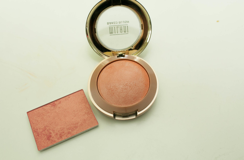 They look similar shades in this picture but orgasm is much more pink and the luminoso is much more peach.