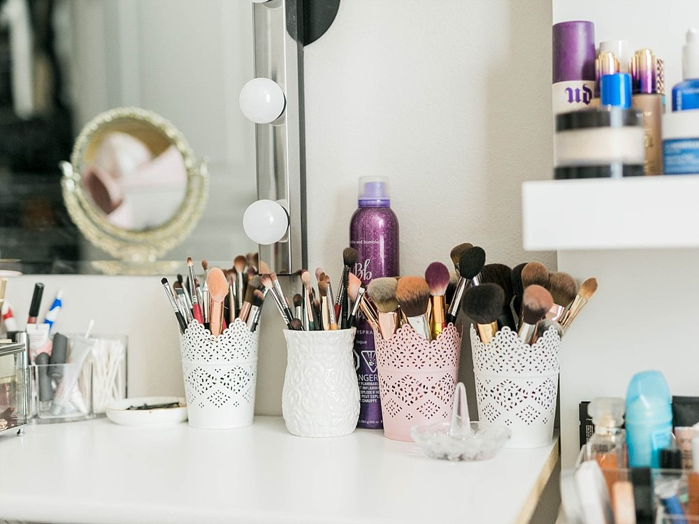 makeup brush storage, beauty blogger