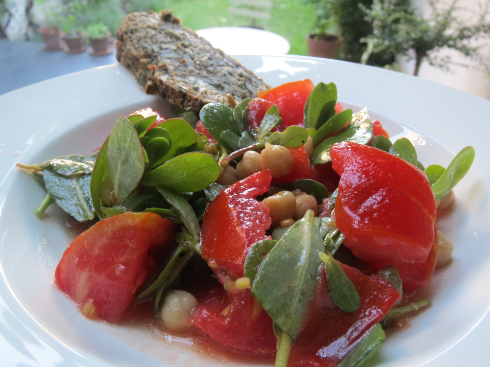 Purslane, Tomato and Chickpea salad