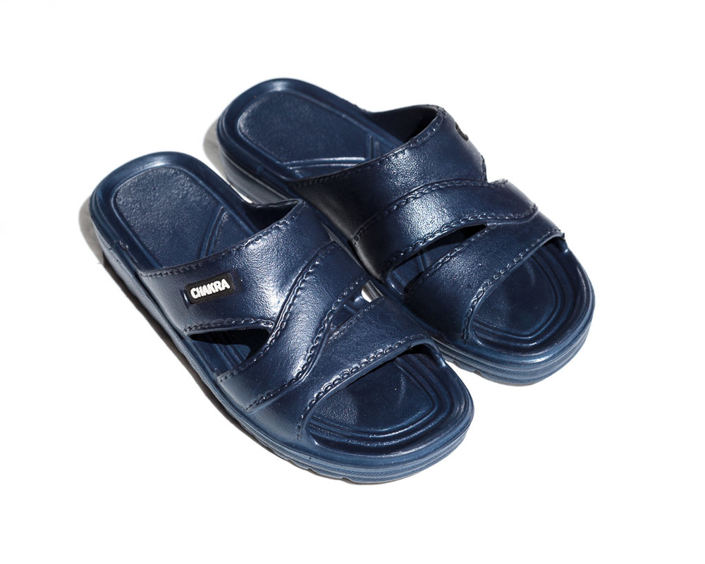 Sandals in 5 different sizes