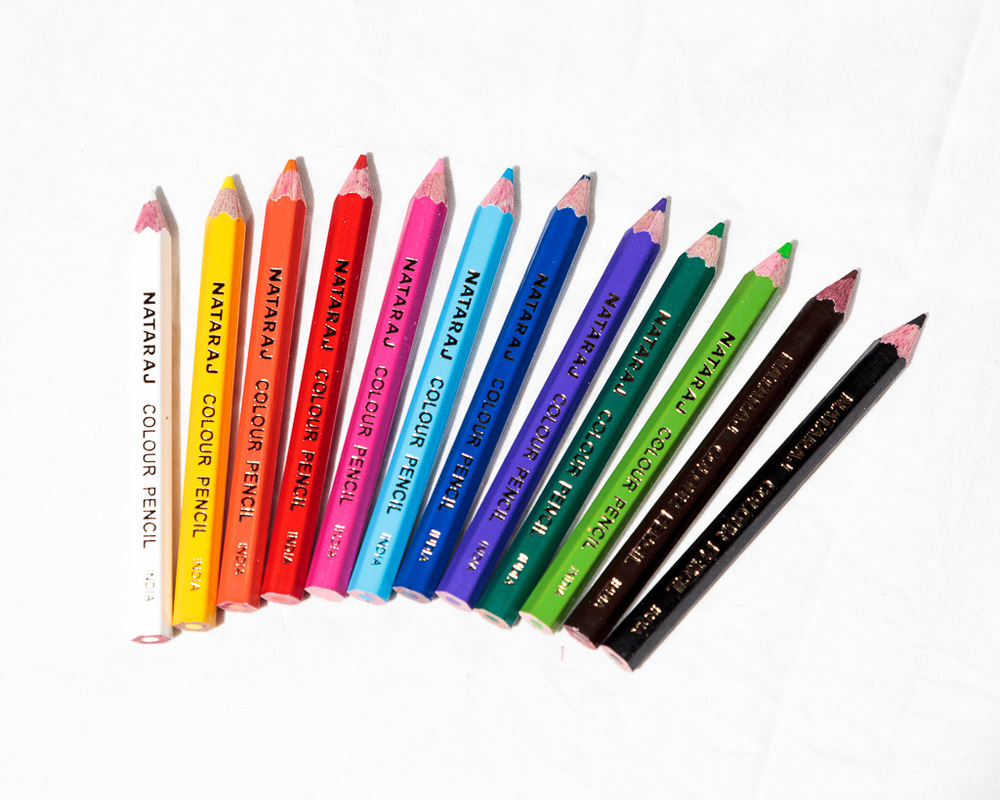 12 coloured pencils with sharpener