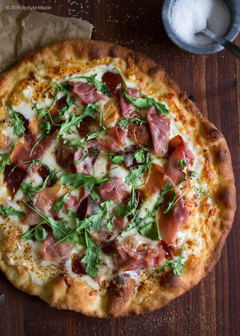 fig-jam-prosciutto-arugula-pizza.jpg