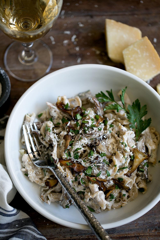 maitake mushroom alfredo pasta