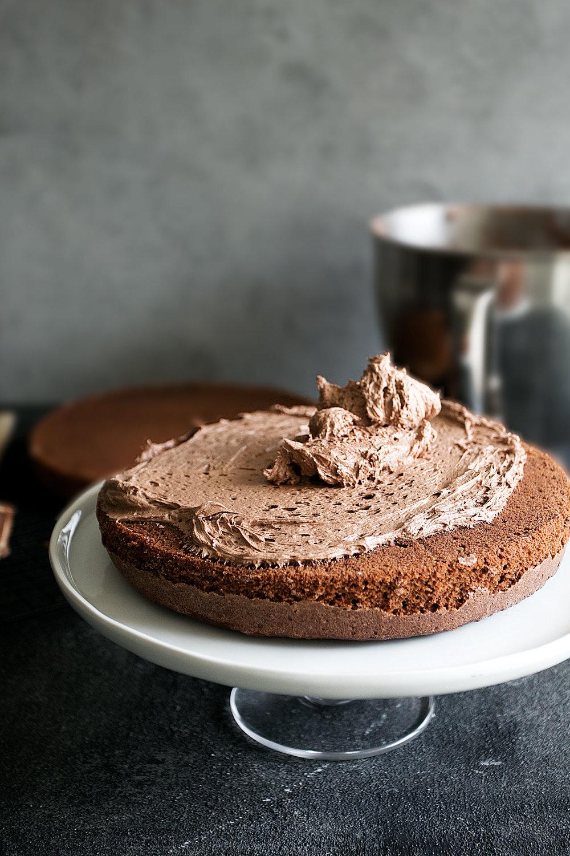 forsting the cake
