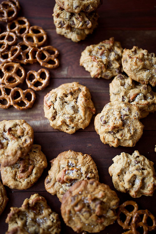 chocolate caramel peanut butter pretzel cookies