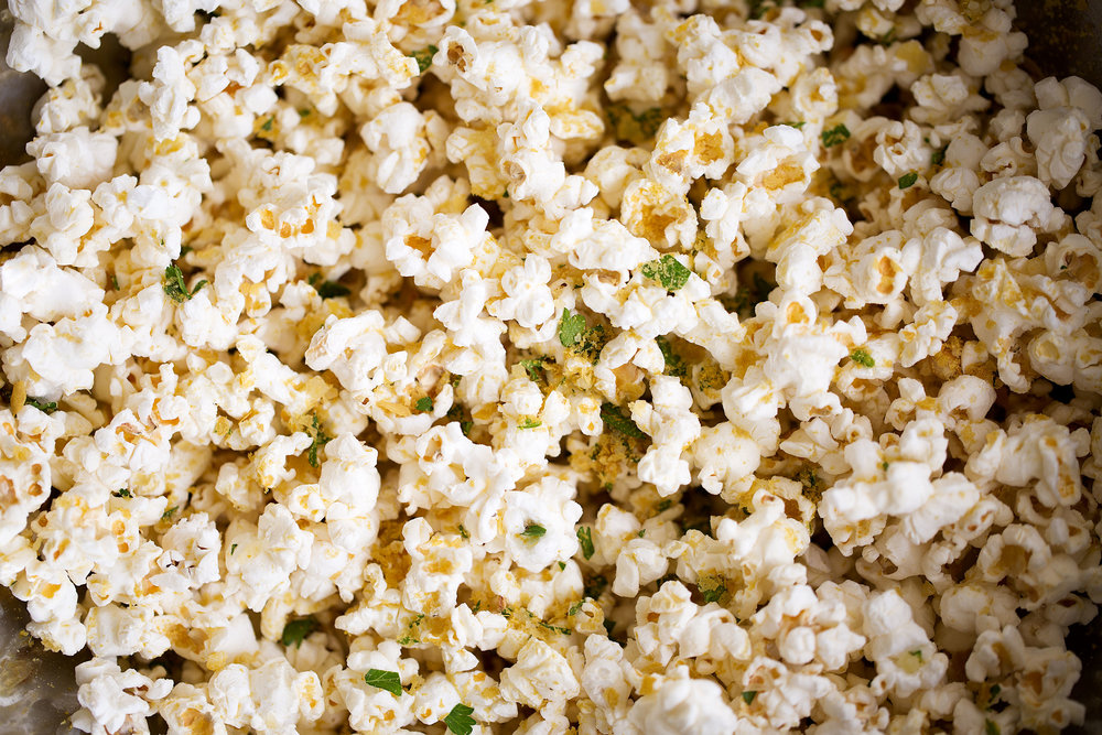 cheesy garlic parmesan popcorn
